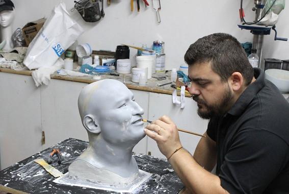 busto Evo Morales en silicona