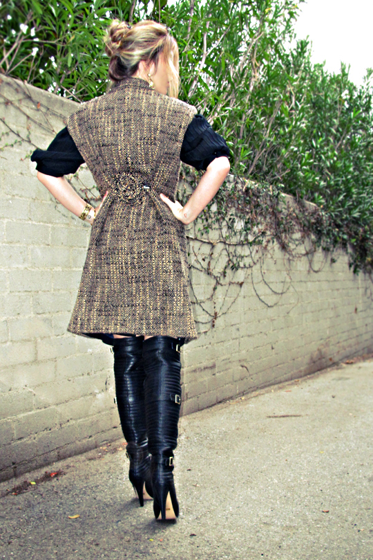 diy sleeveless coat diy+flower pin diy+coat cincher+over the knee boots+tones
