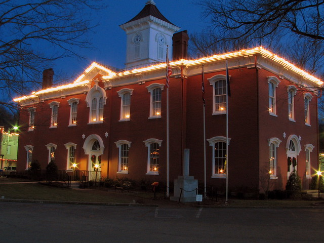 A Lynchburg Christmas 1: at Night