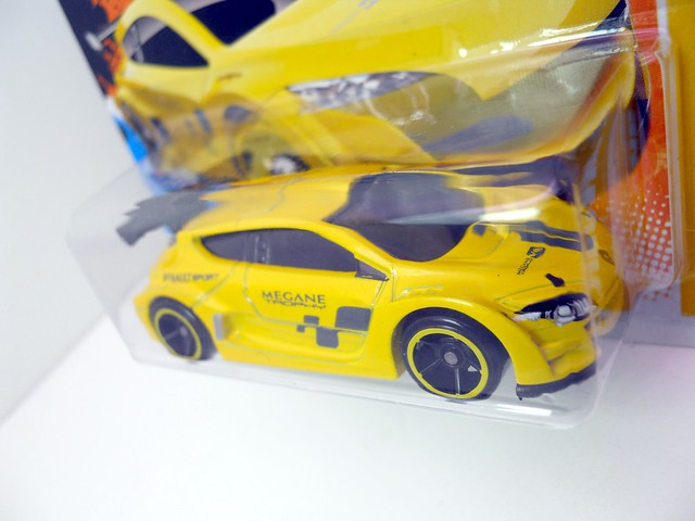 hot wheels megane trophy (2)