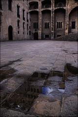 reflexes histrics (Seracat) Tags: barcelona canon torre bcn catalunya 18200 plaadelrei barcelons mart seracat