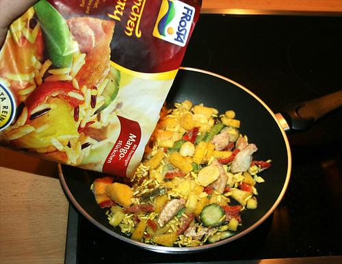 04 - Frosta Hähnchen Curry - Packung-in-Pfanne