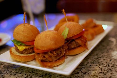 burger bar 007