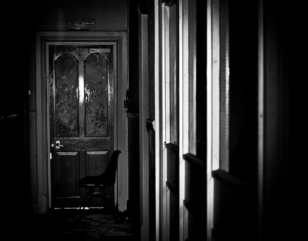 DSC_0424 (Livexplore) Tags: School Dusty Abandoned College Stairs Dark  Bricks Steps Basement Creepy