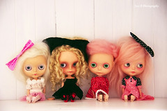 a bundle of wanderlings (poordittums) Tags: sophie sadie blythe custom posie alicecheshire petitewanderlings