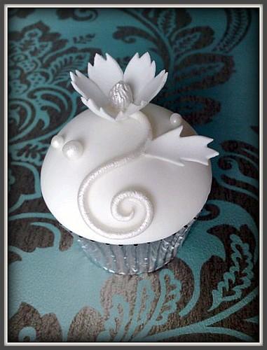 white on white Wedding Cupcake