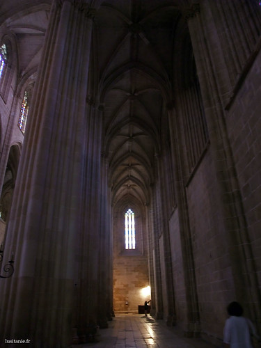 Nave colateral