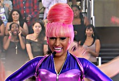 nicki-minaj-pink hair