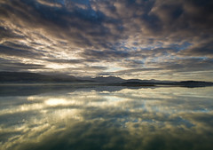 diwrnod i'r brenin (i.m.j.) Tags: blue sea mountain beach water wales clouds sunrise landscape dawn coast cymru wideangle explore beaumaris eryri anglesey hss ynysmn penmon tirlun explored efs1022mm13545usm canon7d adayfortheking diwrnodirbrenin