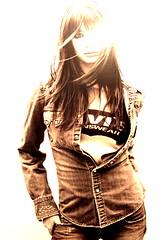 [フリー画像] 人物, 女性, セピア, ファッション, 201101262100