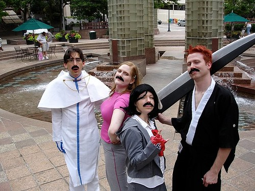 HeroesCon 2006: Bleach Cosplay + Fake Moustaches