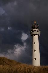 Egmond Lighthouse II (Bernd H) Tags: lighthouse holland netherlands march nederland 2006 vuurtoren noordholland vanspeijk konicaminolta7d egmondaanzee jcjvanspeijk minolta28105f3545