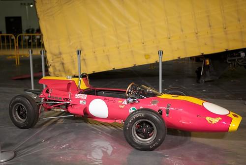 L9770245 Montando la exposición Selex en Auto-Retro