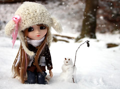 We  Snow ( J a c k y) Tags: hello pink winter snow cute canon eos snowman doll pretty jill kitty planning groove pullip pullips jun jillayne