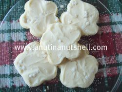 Cheryl's frosted buttercream cookies