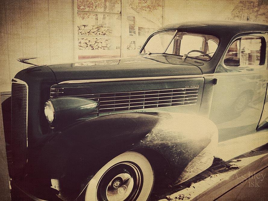 Antique Car RS