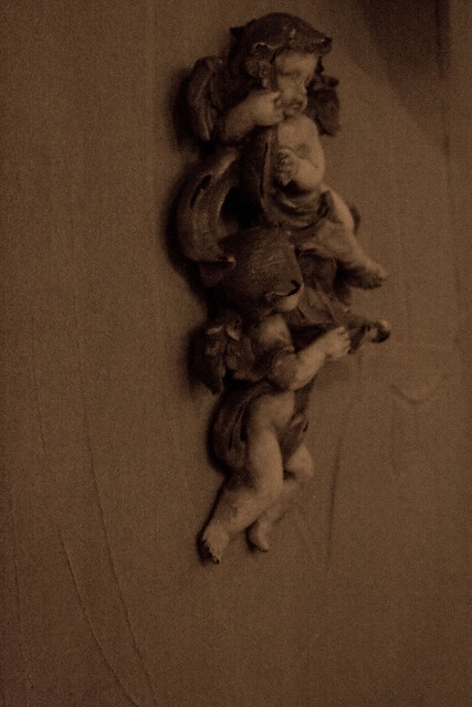 Cherubs on the wall