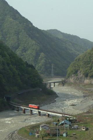 大糸線、廃線の不安に揺れる沿線 1両が結ぶ地域の足