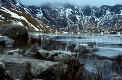 [フリー画像] 自然・風景, 湖・池, 山, 雪, イギリス, 201101030100