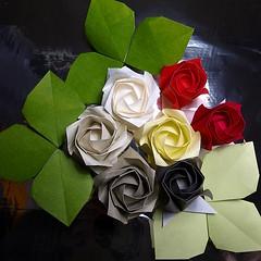 Roses and Rosebuds (diecerll) Tags: art paper spain origami arte fold e3 zuiko paperfolding papiroflexia folding paísvalencià zd kawasakirose paperrose toshikazukawasaki origamirose papiroflèxia newkawasakirose rosadeorigami rosadepapel rosadepaper 究極の夢折り紙 thegreatestdreamorigami rosadorigami