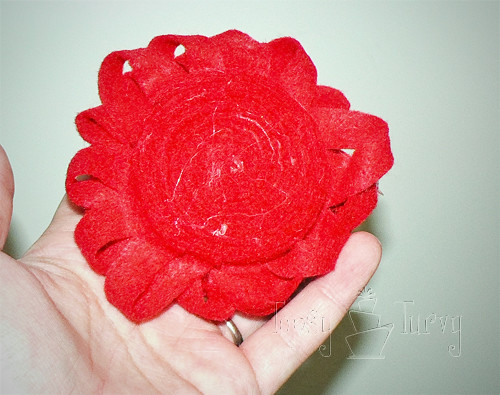 felt ribbon pom pom flower back