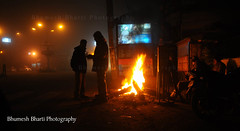 BHB_4165 (bhumeshbharti) Tags: winter light cold fog fire dehradun bharti uttarakhand bhumesh