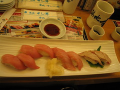 IMG_8683 Sushi breakfast at Tsukiji (drayy) Tags: fish japan breakfast sushi tokyo market tsukiji   tuna toro     chutoro     ootoro