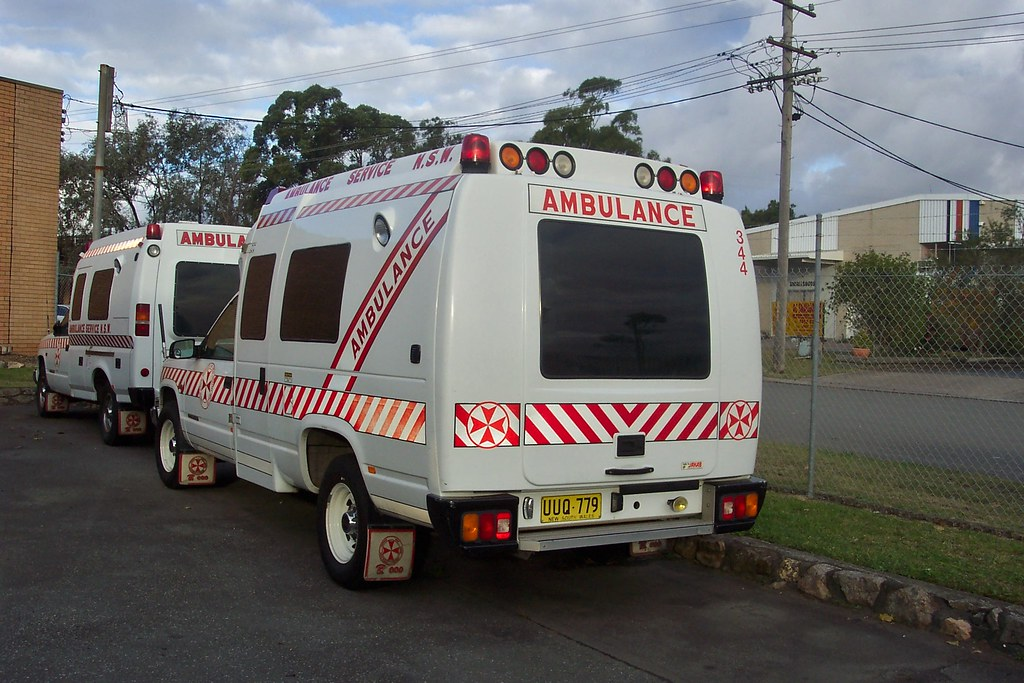 GMC 2500 ambulance