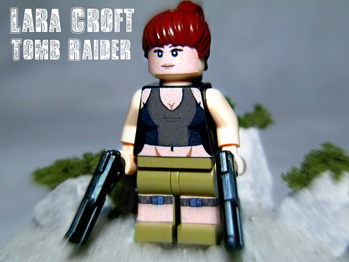 Custom minifig Lara Croft