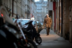 You Shall Let Me Pass... (Fabrice Drevon) Tags: street light man paris shop dc nikon candid walker photowalk cinematic tog 135mm f20 d700 fabricedrevon