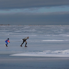 Like Father, Like Daughter on Christmas day (Bn) Tags: winter snow cold holland ice dutch sunshine hail ben iceskating horizon sneeuw skating thenetherlands fast skaters freeze enjoy wintertime viking pleasure skates marken darkclouds badweather volendam speedskaters waterland ijs schaatsen vast noren genieten monnickendam schaats ijspret elfstedentocht hailing polders markermeer klapschaats natuurijs gouwzee uitdam almerestad elevencitiestour seaofice hagelbui nearamsterdam koekenzopie ijzers schaatstocht dutchonice bevrorenmeer skatingonnaturalice dutchskaters schaatseninwaterland skateoutdoor schaatsgekte ijstochten lakefreezeover gouwsea dichtbevroren frigidconditions skatingtours klapschaatsen ijsoppervlakte schaatsrijders ijsze wijwillenijsvrij speedteams langebaanrijders