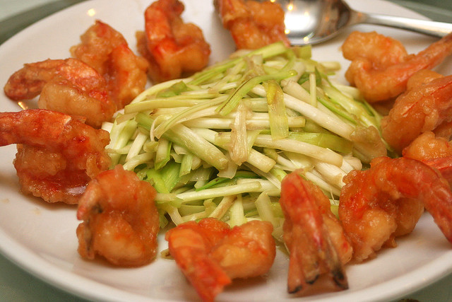 Stir fried yellow chives with prawns