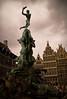 Silvio Brabo (Lou Rouge) Tags: plaza sculpture fountain architecture square arquitectura bravo belgium belgique monumento fuente escultura antwerp fontana antwerpen amberes grotemarkt anvers bélgica jeflambeaux silviobrabo retofs1 silviobravo druonantigonus