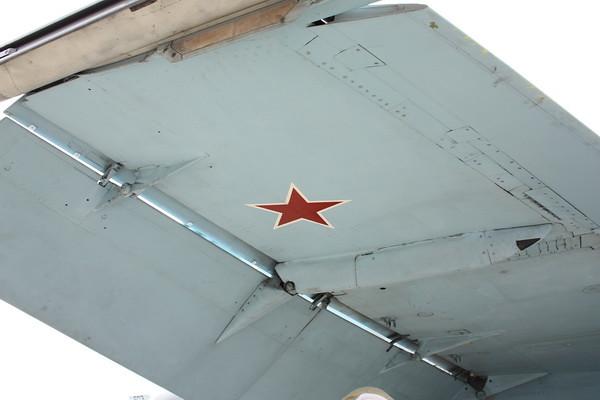 EAA10_FA-18C_104