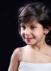 ^^ (Al HaNa Al Junaidel  =)) Tags: portrait canon hana ~     smail ggc   alhana       canon450d       aljunaidel