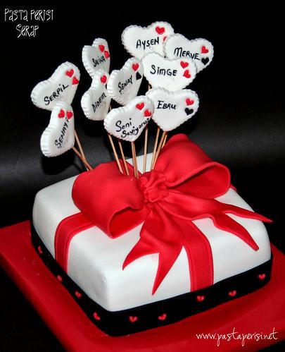 hediye paketi kalp pasta
