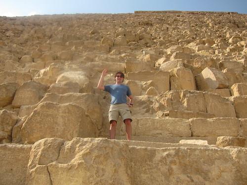 climbing pyramids of giza
