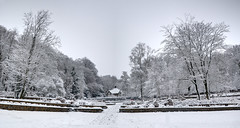 Steile Tuin in de sneeuw HDR (Petfles) Tags: park snow nikon sneeuw arnhem tuin hdr 2010 sonsbeek gelderland d90 steile petfles