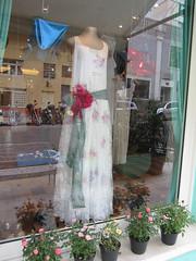 Vestido CAROLE LOMBARD (A MODISTA { loja e atelier }) Tags: flowers wedding color cute love vintage hair bride dress silk retro amour pastels romantic casamento bridal mariage seda beatiful vestido beachwedding noiva