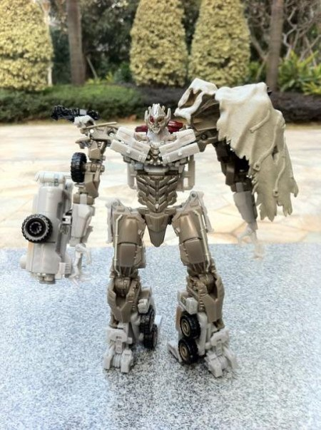 Megatron juguete Transformers Dark of the Moon