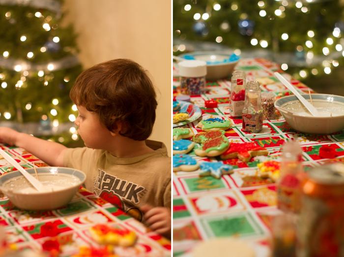 12-20-10 cookie decorating (21)