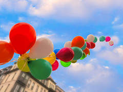 UP! (brooksbos) Tags: christmas city sky urban colour balloons geotagged ma fun photography photo day cloudy massachusetts sony newengland cybershot celebration bostonma southend sonycybershot bostonist south lurvely 02116 end everyblock thatsboston dschx5v hx5v brooksbos