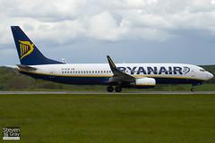 EI-DLW - 33599 - Ryanair 737-8AS - Luton - 100511 - Steven Gray - IMG_0862