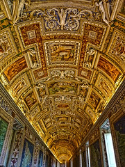 Gallery of Maps ceilling, Vatican Museums (Daniel Schwabe) Tags: italy vatican rome roma painting italia ceiling vaticanmuseum hallofmaps