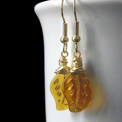 Autumn Gold Leaf Earrings (Gilliauna) Tags: autumn leaves gold amber leaf handmade autumnleaves honey earrings beaded handmadejewelry wirewrapped artisanjewelry autumngold leafearrings