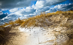 Grand Haven 01 02-1752 (RichardDemingPhotography) Tags: life blue winter sky snow canon skies availablelight michigan live yes barns photographers explore snowfall say canoneos absolute grandhaven springlake westmichigan babybuggy oldfarms porfessional canonphotography tacksharp canon1dmarkiv expressivelives canonprofessionals canonworldwide westmichiganwinter expressiveworld winterinwestmichigan