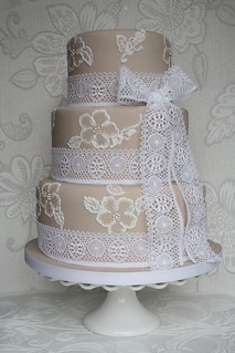 Brush embroidery cake by Cotton and Crumbs