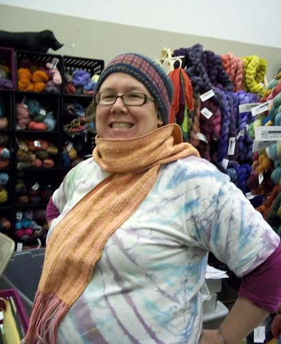 Rita modeling Woven scarf