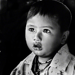 About to cry .....To Michel :) (fifich@t / Franoise) Tags: street portrait people blackandwhite bw asia tears child candid burma trix crying streetphotography nb myanmar grayscale mandalay larmes greyscale lightroom birmanie nikonf801 squarepic