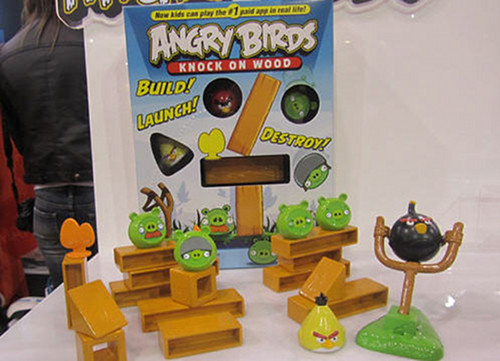 angry-birds-knock-on-wood